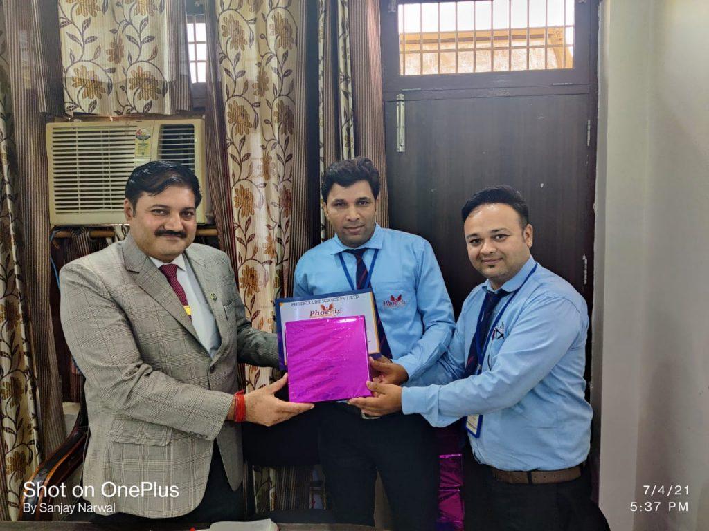 Ved Parkash - Sirsa - awarded by FM Shekhar joshi and Managing Director Sanjay Narwal -Phoenix Life science pvt ltd
