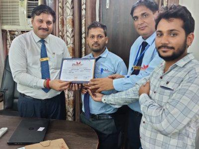 OM PARKASH - Kotdwar achiever awarded by Dr. Daulat Shekhawat(B.V.Sc) and by Dr. Sanjay Narwal, MD, Phoenix Life Science Pvt. Ltd.